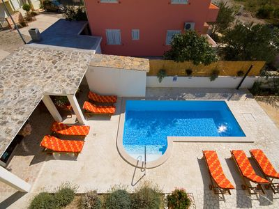 Photo for 1BR Apartment Vacation Rental in Srima, Dalmatien