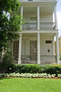 Photo for BALCONY BREEZES - UpperApt. SAFE Quiet Historic Convenient to colleges,streetcar