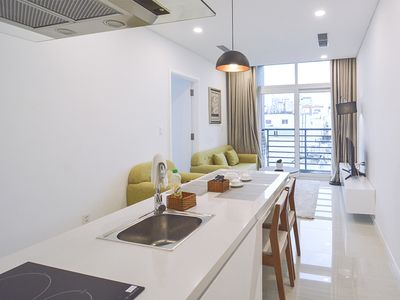 Photo for Son & Henry - FI56 - Spacious 3BR Apartment, CBD, Rooftop Pool and Sky Bar