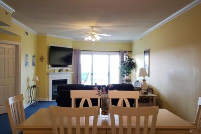 Sunset Pointe 203 - Dining and Living Room