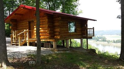 """BIG TIMBER RIVER CABINS """"The Hawk's Nest"""""""