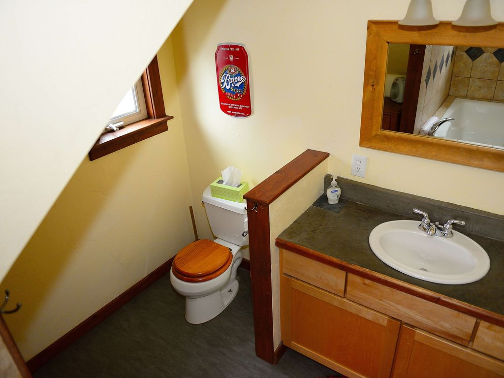 Downtown One Bedroom Apartment W Private Patio Bozeman Montana Rentals