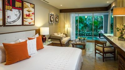 Photo for A Luxurious, Blissful 5-Star 1 Bedroom Suite w/ a Large Balcony and Ensuite Pool