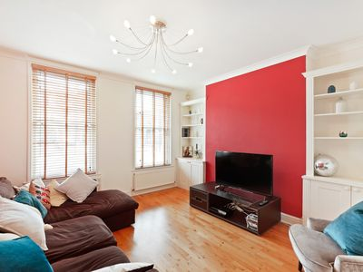 Photo for Bright 2 Bed Flat with lovely Terrace in Oval