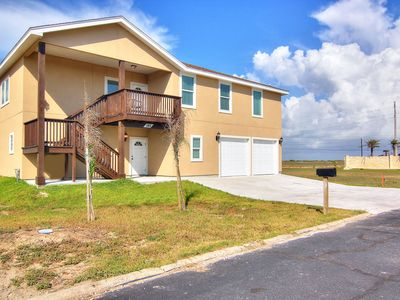 Photo for 4 bed/3 bath! Beach Access! Ping Pong Table! Half Price Mon - Wed!!!