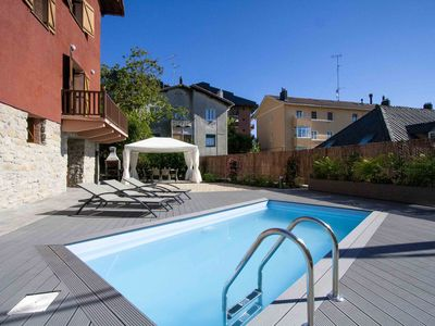 Photo for 6BR Villa Vacation Rental in Donostia