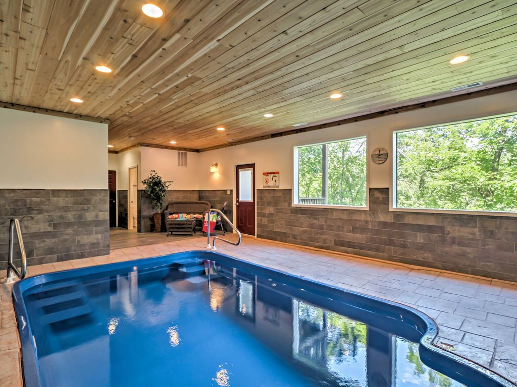 2br Pigeon Forge Cabin W Indoor Pool Pigeon Forge Sevier County