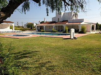 Photo for Spacious modern 5 Bed/5 Bath Villa - Private heated pools. Large private gardens