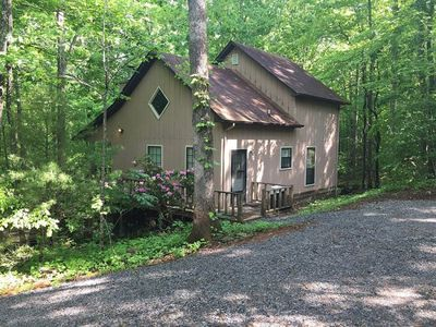 Photo for Harmony Ridge 2 Bedroom cabin in the woods with lots of privacy.