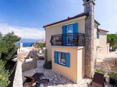 Photo for Holiday house with beautiful sea views and whirlpool