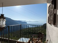 Amazing views, tranquil setting,restful and complete get away