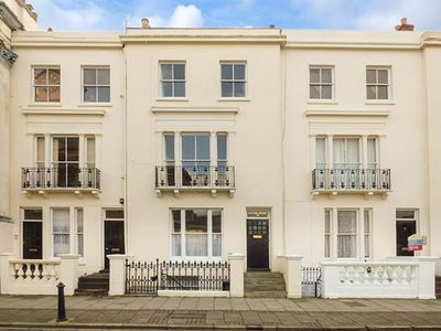 Photo for EASTON HOUSE, family friendly in Ryde, Ref 923987