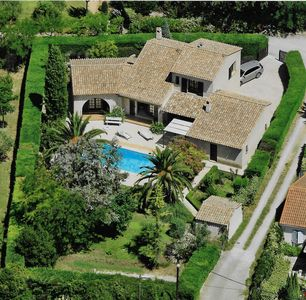 Photo for Provencal house in Flayosc with pool and garden, close to the sea, 6 people