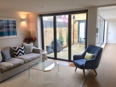 Photo for Stunning 1 bed garden flat by the river, in Putney, London