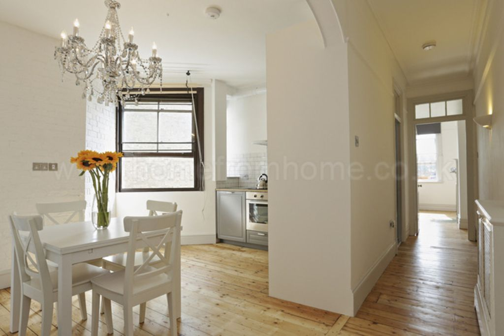 A Lovely Charming And Cosy Apartment To Maximize Your Stay In London