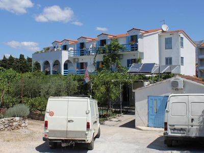 Photo for One bedroom apartment with balcony and sea view Sućuraj, Hvar (A-3589-c)
