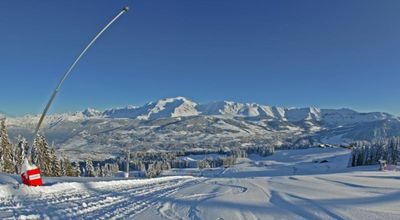 Photo for THE SLALOM 2, panoramic view on Mont-Blanc Foot of Combloux Megeve ski slopes