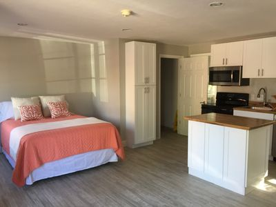 Spacious and updated loft with full kitchen and private bathroom; sleeper sofa
