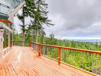 Photo for NEW LISTING! Secluded, family friendly cabin w/ WiFi, water view & full kitchen!