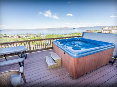 Photo for Renovated cabin w/a private hot tub, shared pool, tennis, & kayaks