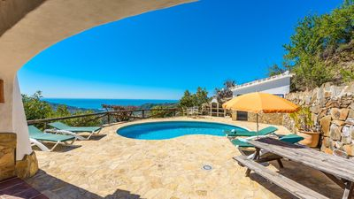 Photo for Excellent rustic villa with stunning sea views