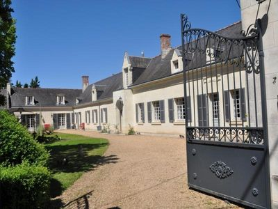 Photo for Gite La Chapelle-sur-Loire, 4 bedrooms, 10 persons