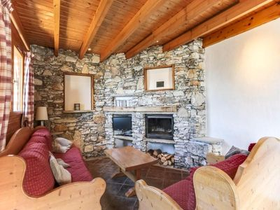 Photo for Chalet Landry-Vallandry, 5 bedrooms, 10 persons