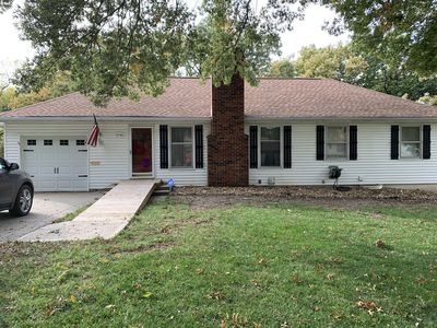 Photo for Johnson County House Close to the Plaza & Downtown