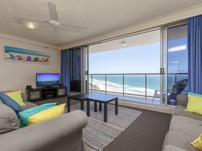 Photo for Panoramic view of the 21 floor on the beautiful beach of Surfers Paradise.