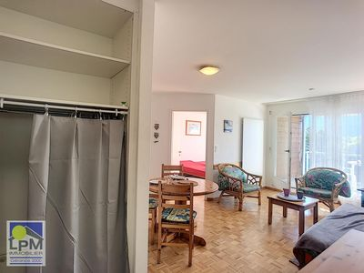 Photo for Chamossaire B502 5 minutes from the cable cars and near the centre, modern apartment house. Apartmen