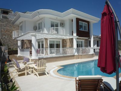 Photo for Beautiful Detached Villa With Private Pool And Stunning Views, Walkable to Town.