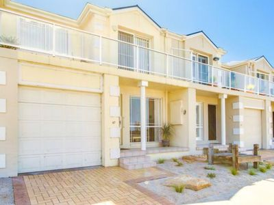 Photo for Townhouse on the Esplanade - Best location, stunning water view