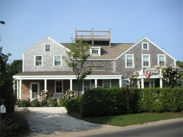Photo for LABOR DAY DISCOUNT-Renovated 4BR Cliff Home W/ Large Yard -Walk to Town, Steps