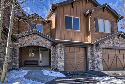 This 3-bedroom, 3.5-bath townhome offers 8 guests all the best of Summit County.