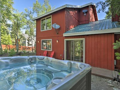 Photo for Cozy Home, 5 mins to Lake Tahoe & Homewood!
