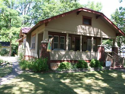 Classic Bungalow in Prime Location, Downtown Saugatuck