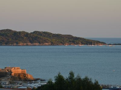 Photo for Presqu'ile de Giens, panoramic view of Porquerolles, access to beaches on foot