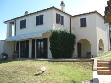 Both villas near the sea, 6 km, surrounded by olive groves and vineyards - Unit 2081554