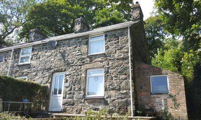 Photo for Cosy rural stone built cottage
