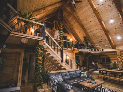 Photo for BIENVENUE DANS LA JUNGLE - CHALET EN BOIS ROND