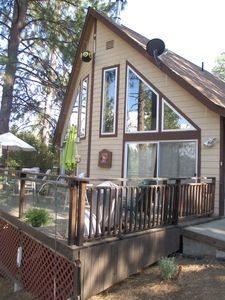 Photo for Relax in our Cabin Nestled in the Pines, close to Yosemite National Park