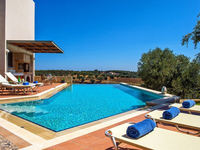 Photo for Villa on a quiet hill slope, private pool, next to sandy beaches & Chania town