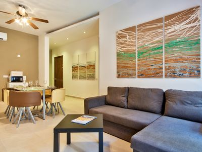 Photo for Contemporary, Bright and Centrally Located 3-Bedroom Apartment