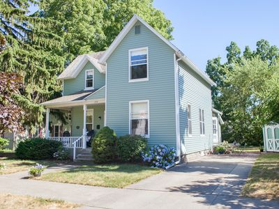 Immaculate Renovated & Restored Holland House, near Kollen Park & Lake Macatawa