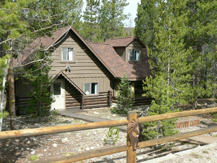 Charming And Cozy Two Bedroom Cabin Right On Sun Valley Lake Private Dock Grand Lake