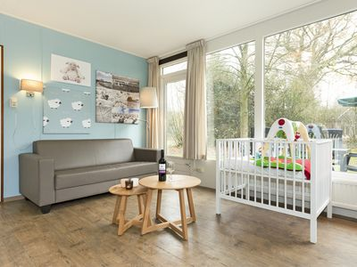 Photo for 4-person baby bungalow in the holiday park Landal Aelderholt - rural location