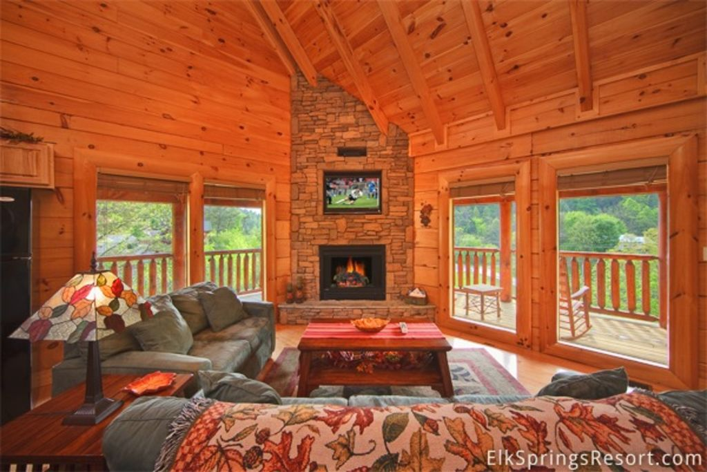 Luxury 2 Bedroom Pigeon Forge Cabin Just Steps To Indoor Pool Pigeon Forge Sevier County