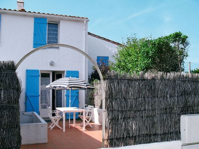 Photo for One bedroom Villa, sleeps 3 in L'Épine with WiFi