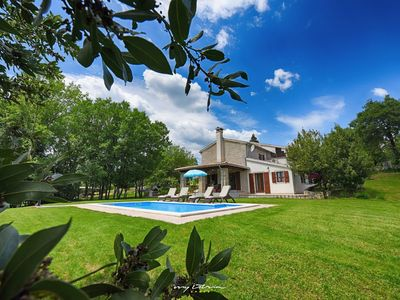 Photo for Beautiful villa with private pool near Buzet
