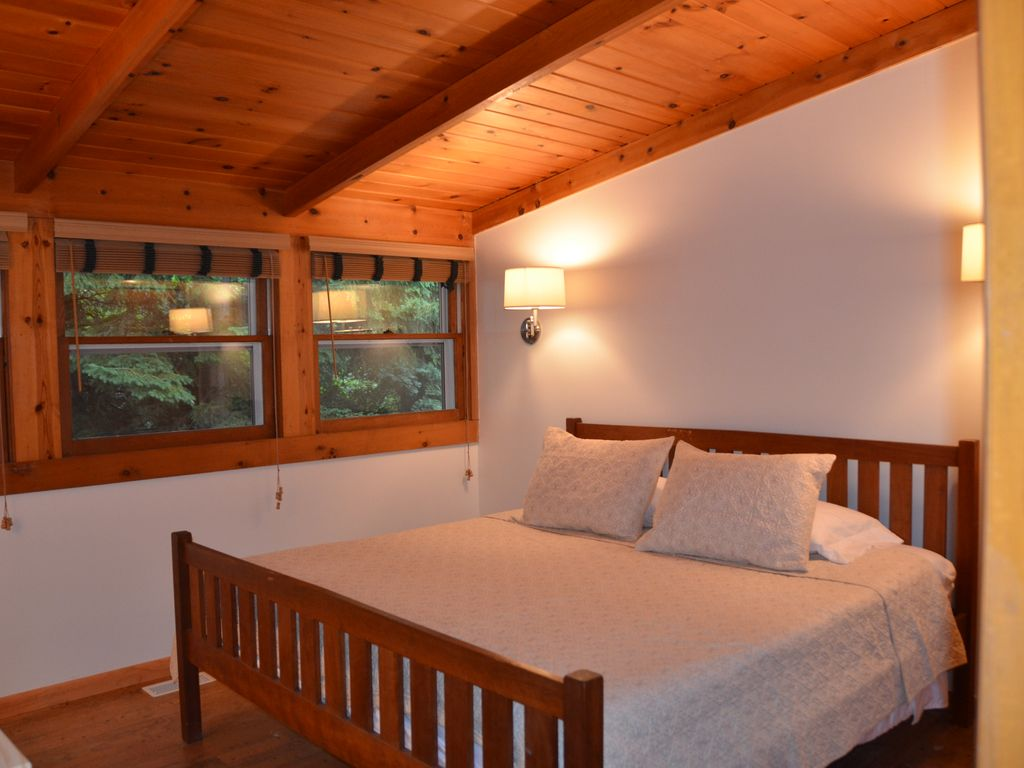 Dunes Creek Retreat - 5 Bed,  Heated Pool On Secluded Lot, Short Walk To Beach.